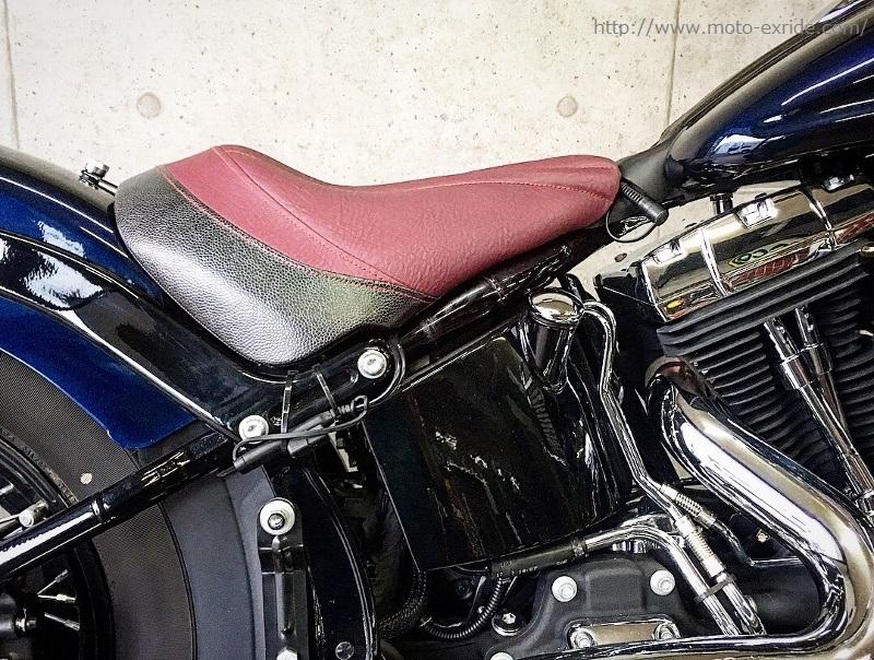 Harley-Davidson(ハーレーダビットソン) FLS カスタムシートを横から/MOTO-EXRIDE(モトエクスライド)