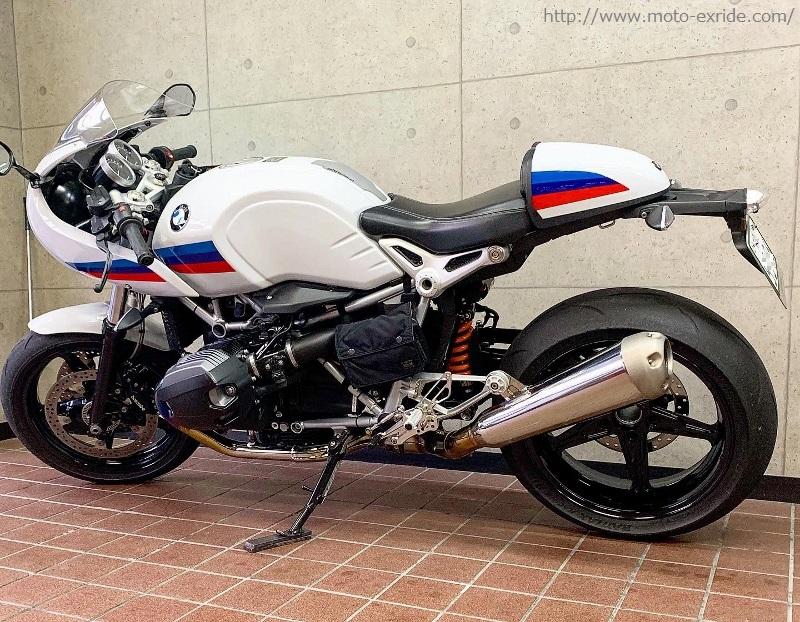 BMW RnineT Racer Matris(マトリス)リアサスペンション モトエクスライドオリジナル ダンパーカバー 取付カスタム マフラー側/MOTO-EXRIDE(モトエクスライド)