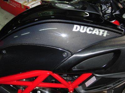DUCATI DIAVEL(ディアベル)フルパワー化・外装ペイント・シート・フェンダーレス化カスタム ペイント2