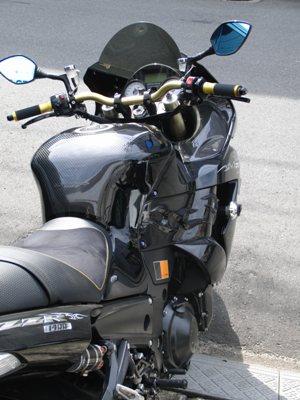 KAWASAKI ZZR1400 アップハンドル化カスタム 車輛を後ろから見て高さ確認