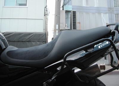 KAWASAKI ZZR1400 シートカスタム №2 横から
