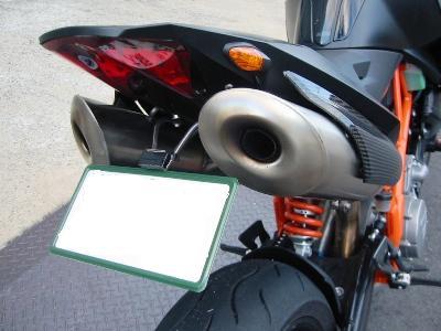 KTM 990 スーパーデュークR フェンダーレスカスタム ナンバープレート